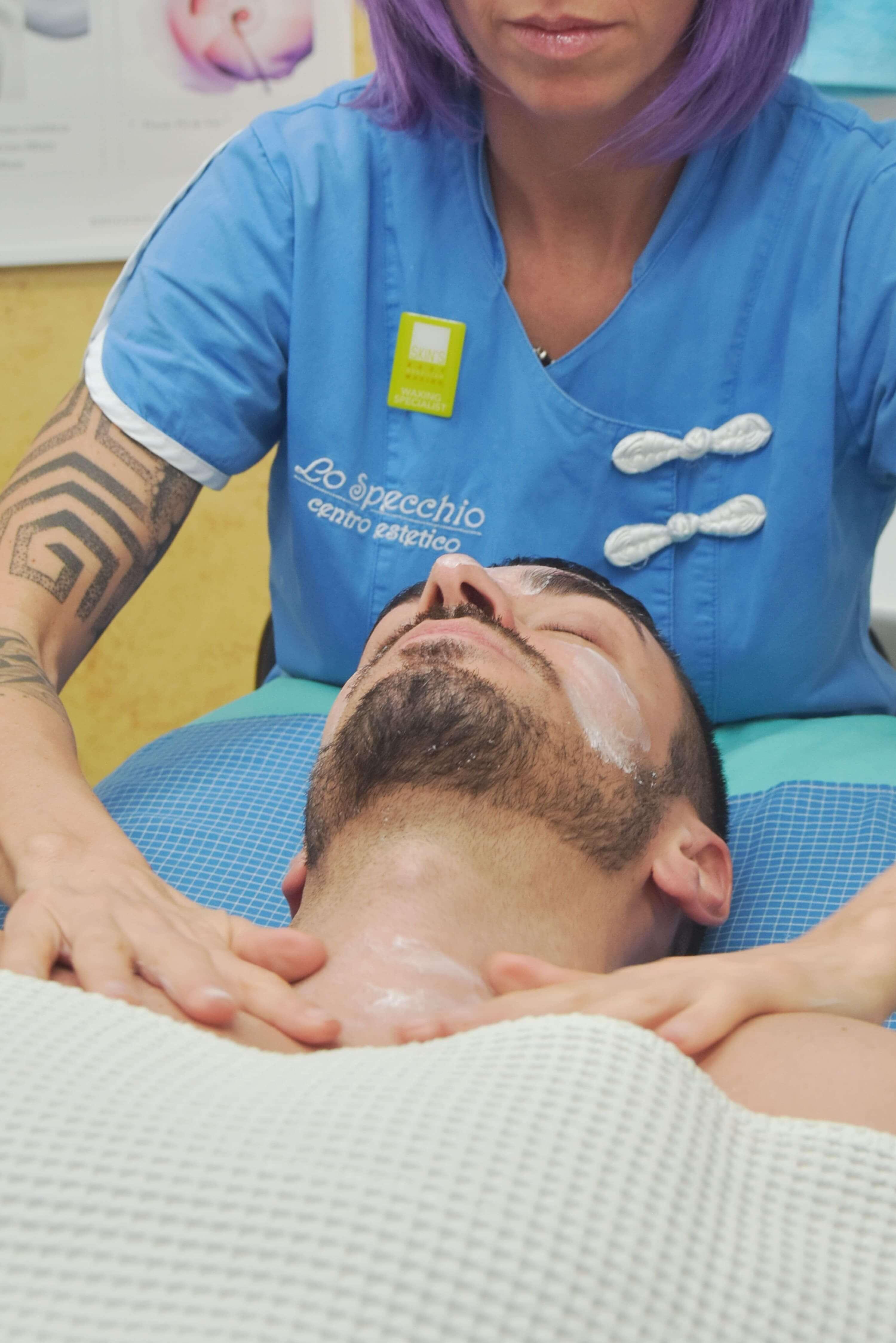 Massaggio viso uomo